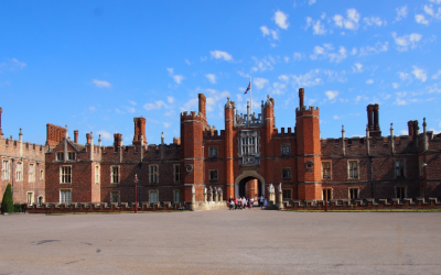 Mighty Castle, Magnificent Palace: Windsor & Hampton Court (9 hours)